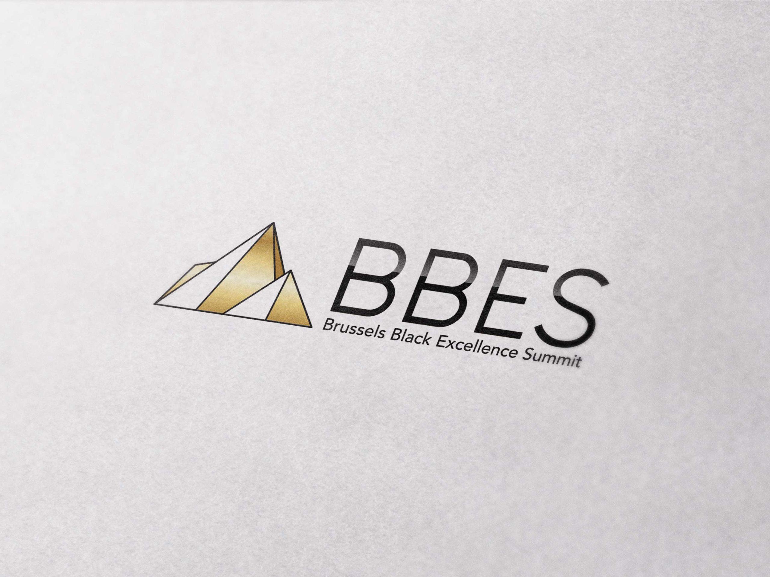 gros plan d'un logo sur une feuille de papier